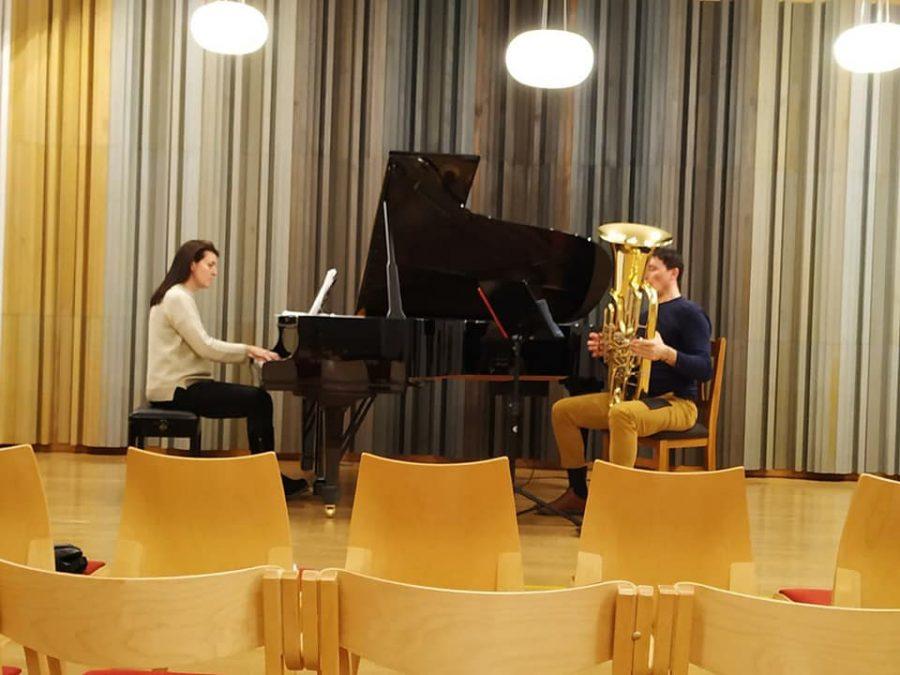 josé redondo tuba y claudia Vior  piano