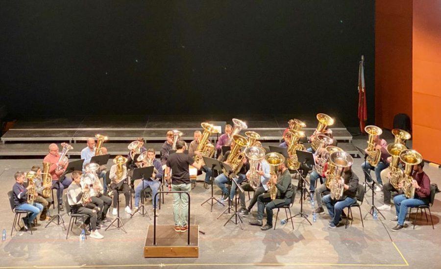 Foto concierto ensemble de tubas y bombardinos en la jornada de la tuba y el bombardino organizada por Sanganxa
